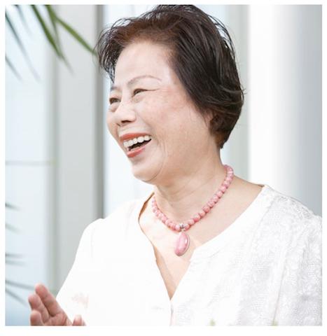 西 里依さん、80歳。慢性膵炎の病気を乗り越え、取締役会長として、日本中、世界中を飛び回る女性のサクセスストーリー。