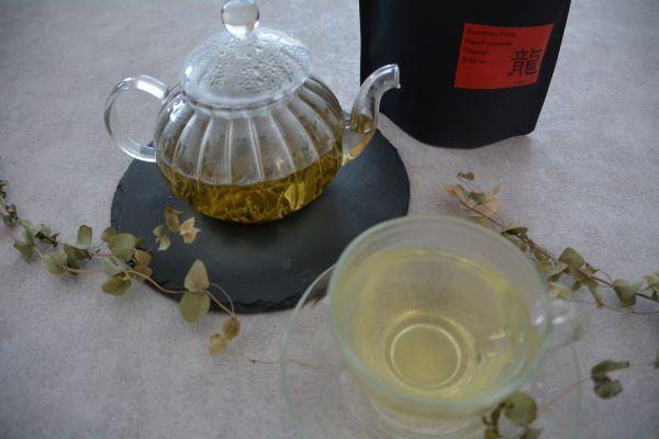 ミネラルや養分たっぷりの自然栽培の在来茶葉! 「スッキリ冴える」と受験生の娘にも!