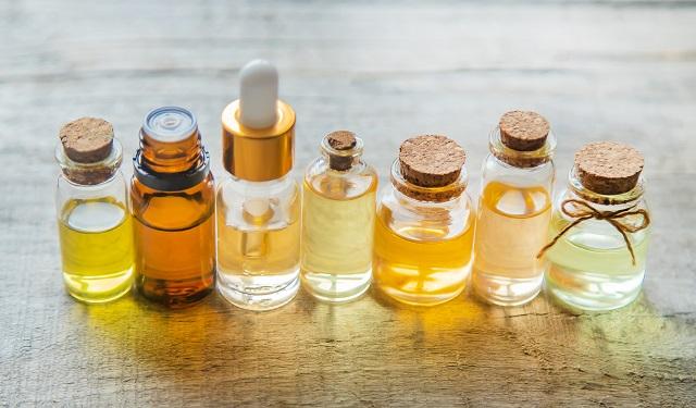 ケミカルなモノが大好きだった私が、なぜ完全ワイルド・オーガニックな香りの商品を作ることになったのかお話しします。